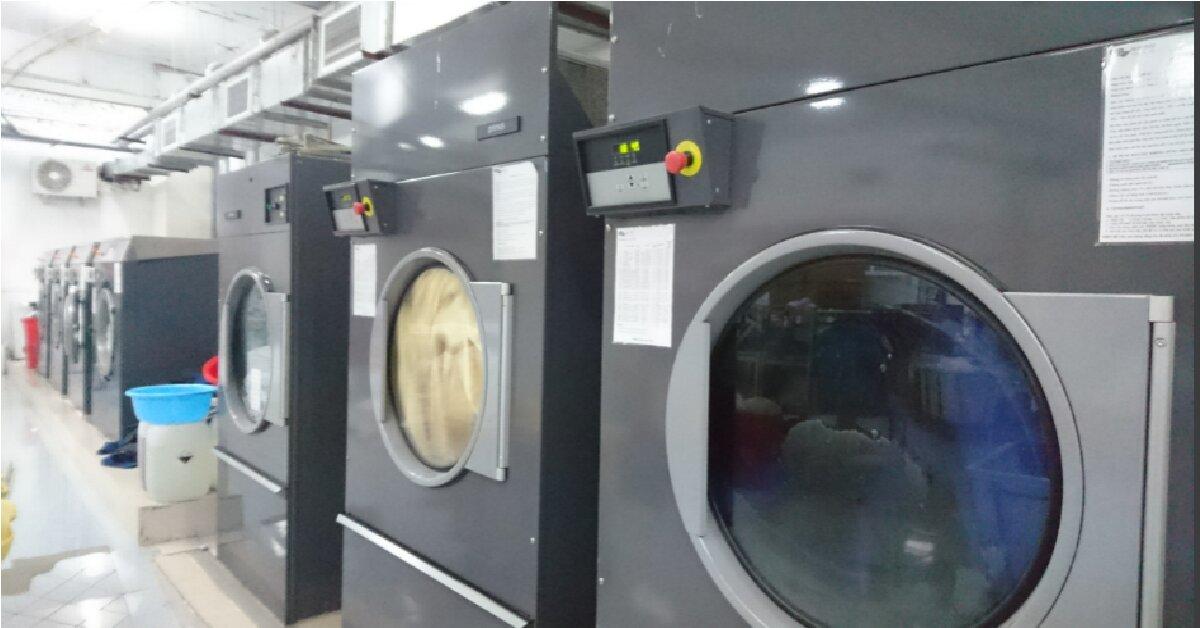 Nên mua máy giặt công nghiệp lồng ngang hay lồng đứng để bắt đầu kinh doanh dịch vụ giặt là?