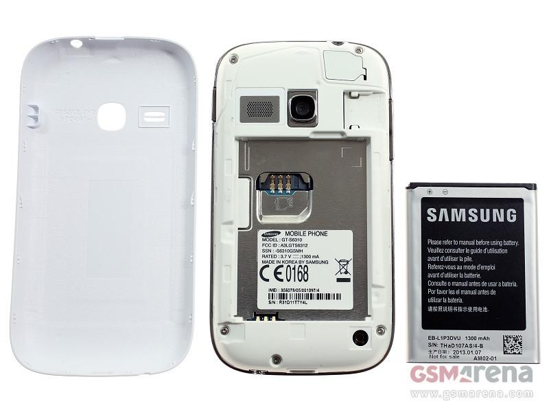 Khe cắm thẻ microSD, SIM và pin 1300 mAh của Samsung Galaxy Young S6310