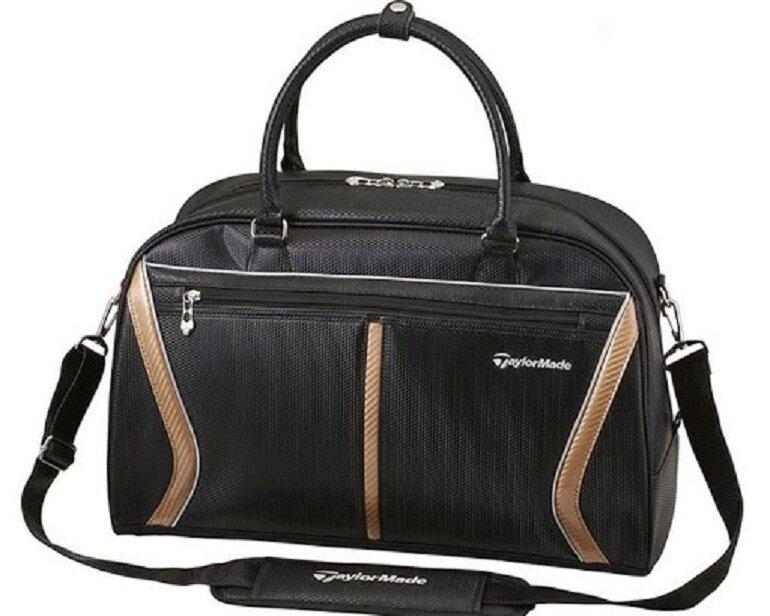 Ưu điểm nổi bật nhất của túi đựng gậy golf Taylormade chính là thiết kế quai đeo cực kỳ chắc chắn và êm ái