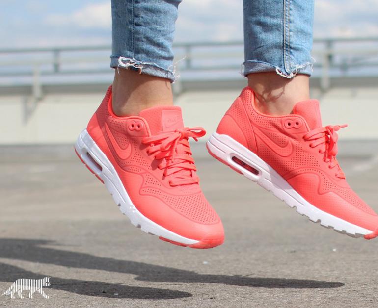 Nike Air Max 90 Ultra Moire nữ