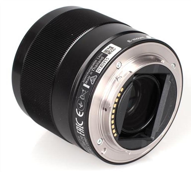 ống kính Sony