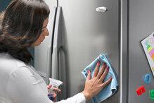"""10 mẹo """"cực hay"""" chùi rửa tủ lạnh sạch bóng"""