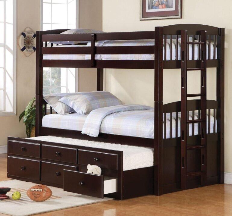 Giường 3 tầng trẻ em bằng gỗ thông