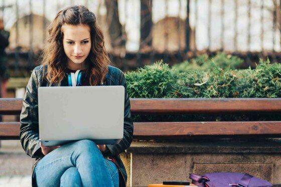 12 cách chọn laptop mới khi mua phù hợp cho sinh viên, dân văn phòng