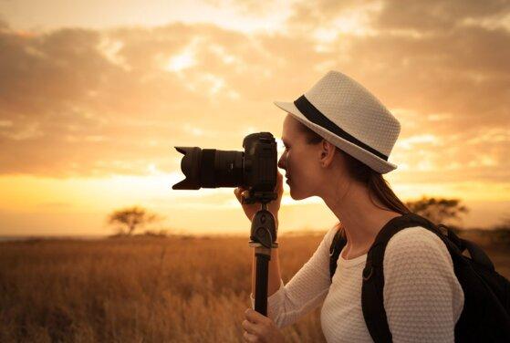 15 cách chụp ảnh chân dung đẹp ở ngoài trời, trong nhà bắt sáng tốt