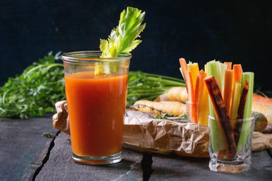 15 tác dụng của nước ép cần tây cà rốt cho sức khỏe, sắc đẹp, trị bệnh