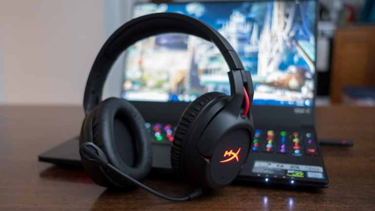 nên mua tai nghe gaming không dây hay có dây