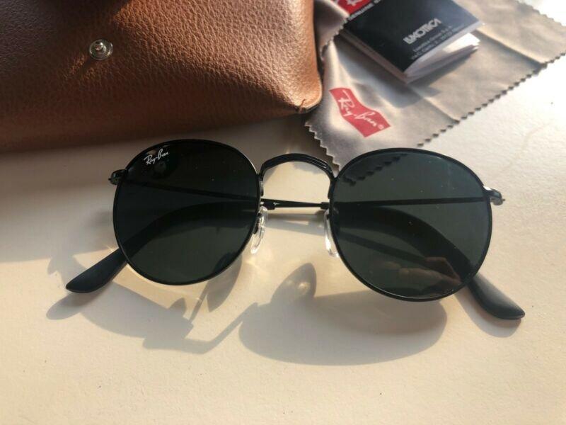 Thời trang, hiện đại và năng động là những tính từ gợi tả chiếc kính mát Ray Ban