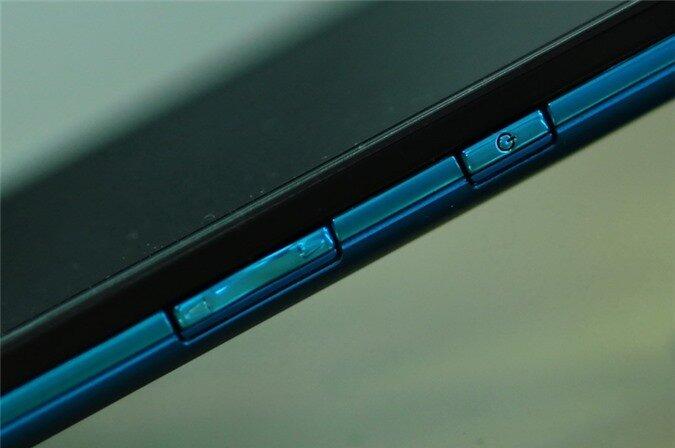 p02e blue (5).
