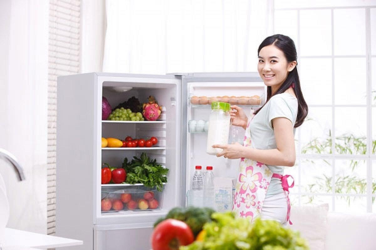 Điều chỉnh nhiệt độ phù hợp giúp tiết kiệm điện năng và đảm bảo độ tươi ngon của thực phẩm