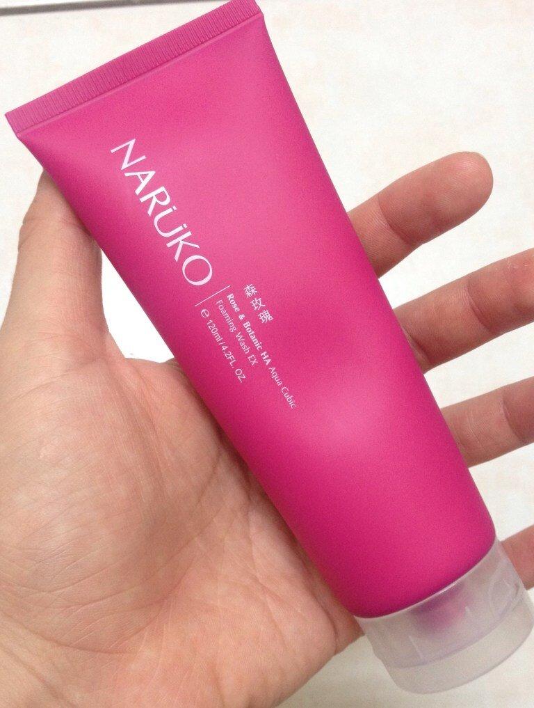 Sữa rửa mặt Naruko hoa hồng nhung màu hồng