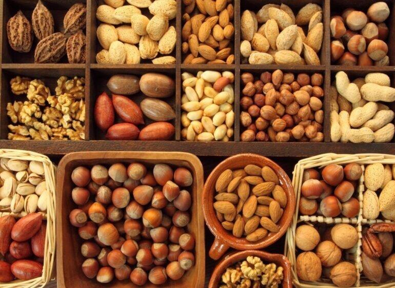 Hạt dinh dưỡng ăn Tết - xu hướng quà tặng sức khỏe cho người thân