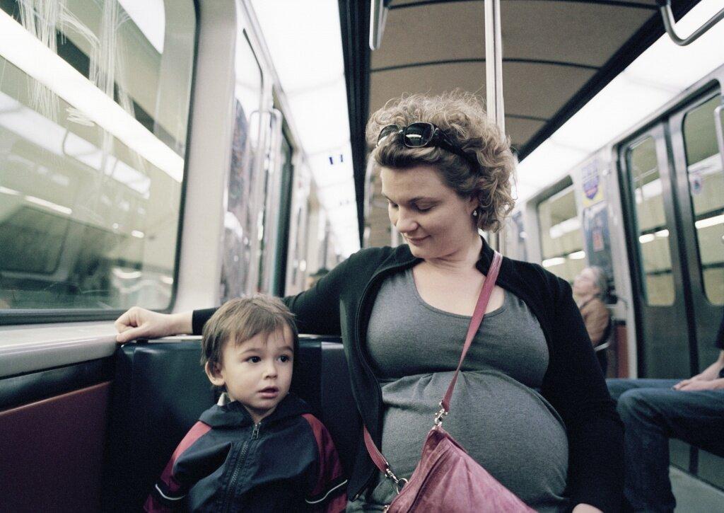3 hướng dẫn giúp việc đi xe buýt của bà bầu đơn giản và an toàn hơn