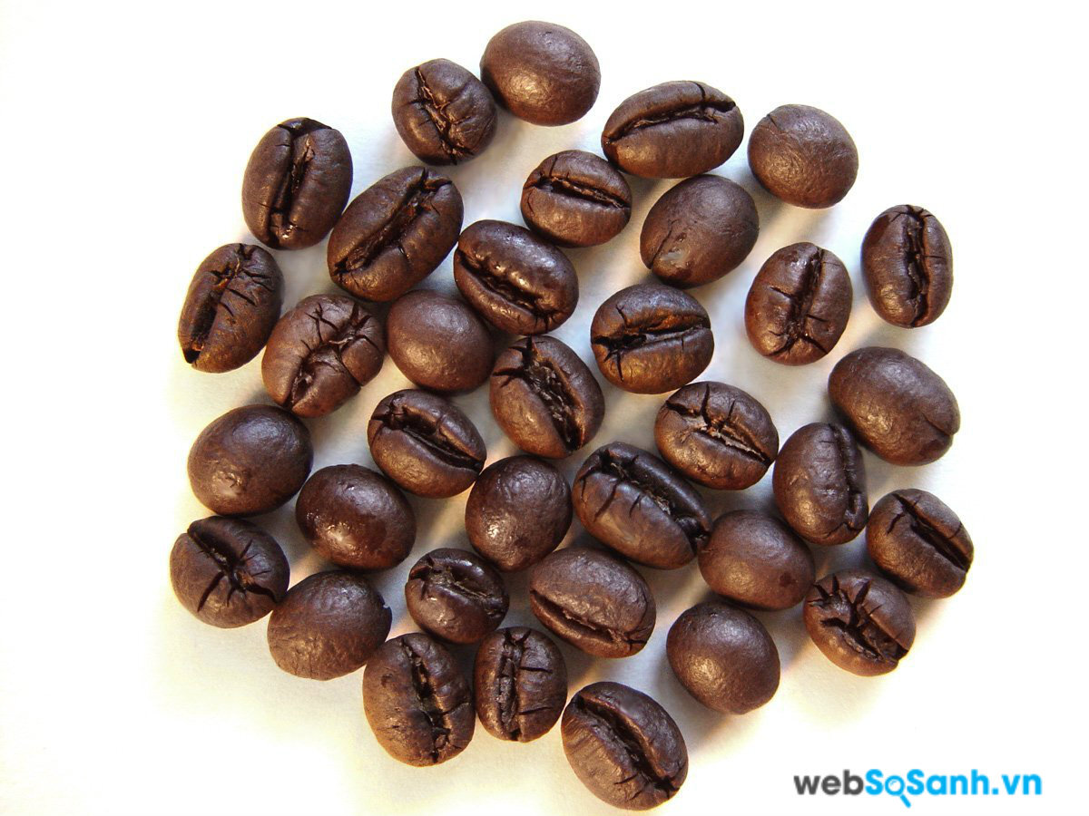 Cà phê Culi thực chất là hạt của quả cà phê bị đột biến, khiến mỗi quả chỉ có một hạt, cà phê này thường sánh và thơm ngon hơn các loại cà phê khác