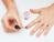 Mẹo tự sơn móng tay không bị lem nhem cho cô nàng vụng về