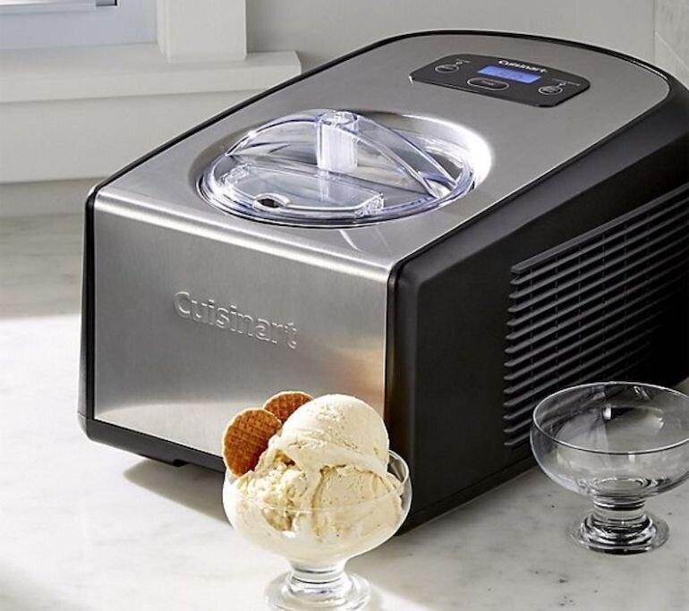 Máy làm kem Cuisinart ICE 100 được thiết kế với kiểu dáng hiện đại và sang trọng