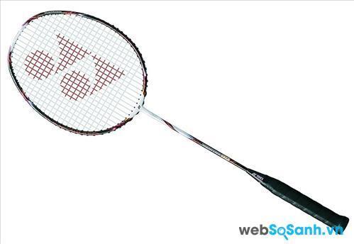 Vợt cầu lông hãng nào tốt nhất: vợt cầu lông Yonex