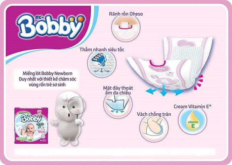So sánh miếng lót sơ sinh Bobby và Huggies cho bé, nên mua loại nào cho bé?