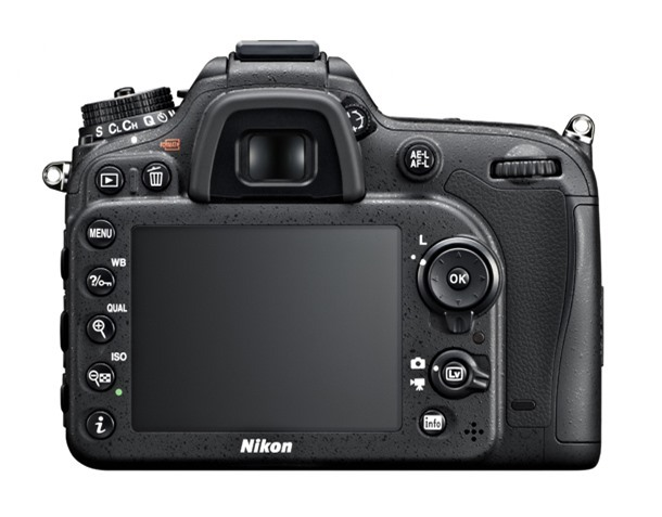 Nikon D7100 vs D300s comparison: Controls