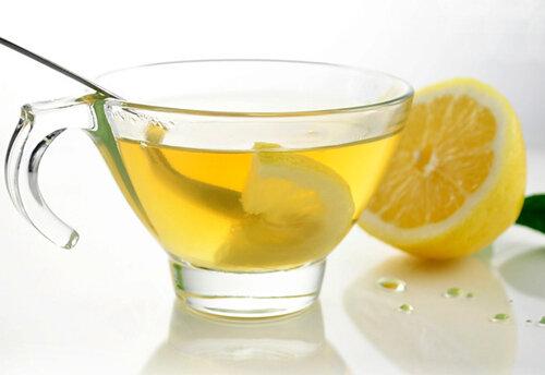 4 lý do thuyết phục bạn nên uống một cốc nước chanh nóng mỗi sáng