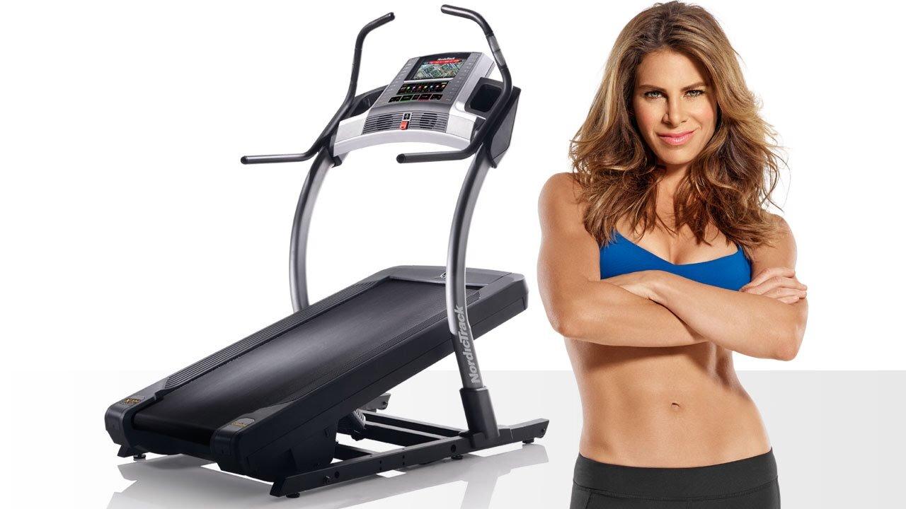 Cơ thể săn chắc cùng vòng eo thon nhờ tập luyện với máy chạy bộ mỗi ngày đều đặn