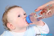 6 cách đơn giản giúp mẹ chống nóng mùa hè cho bé hiệu quả