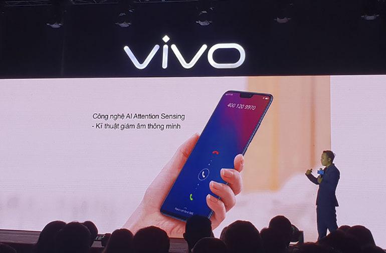 Trên tay con máy điện thoại Vivo V9 7,9 triệu đồng