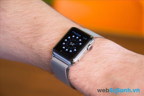 Một chiếc đồng hồ cần ôm sát tay và có sự cân đối giữa kích thước mặt đồng hồ và dây đồng hồ