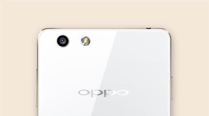 Chụp ảnh tự sướng đẹp với camera trước 5MP của OPPO R1
