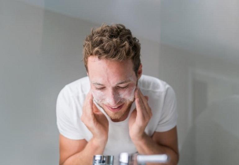3 sản phẩm sữa rửa mặt trị mụn cho nam tốt nhất nên dùng hiện nay