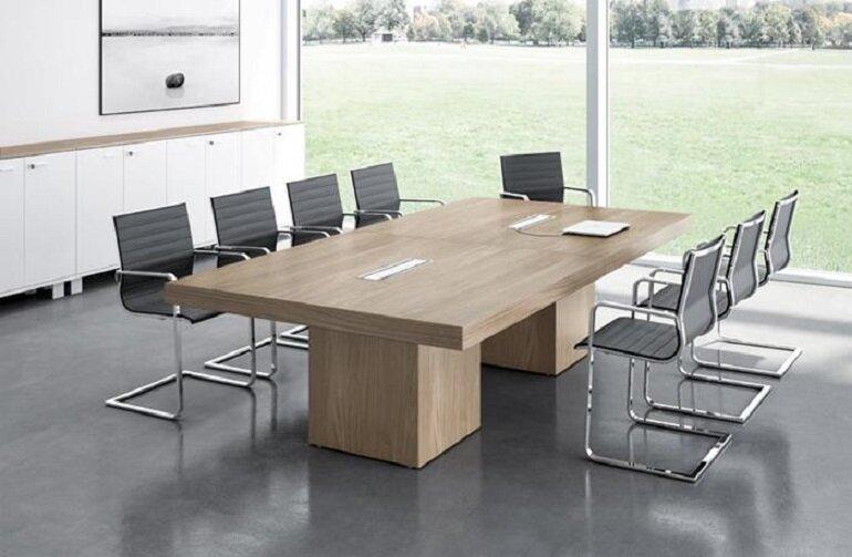 Nên chọn bàn có kích thước phù hợp với diện tích văn phòng