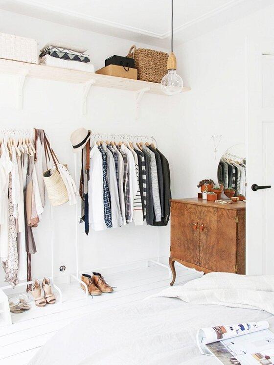 5 cách đơn giản đến không ngờ giúp tủ quần áo của bạn không bao giờ lộn xộn