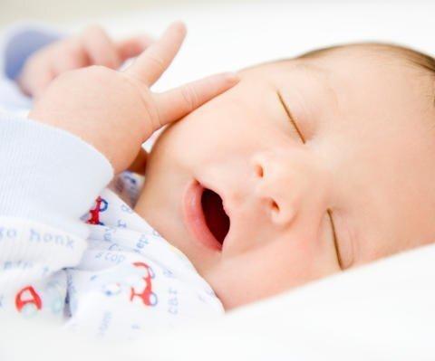 5 cách duy trì lịch ngủ cho bé trong khi đi du lịch