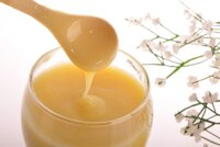 5 cách phân biệt sữa ong chúa nguyên chất thật giả không phải ai cũng biết