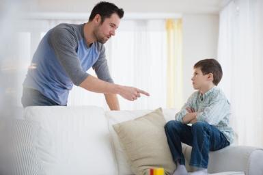 5 cụm từ cha mẹ không nên nói nếu muốn con làm việc gì