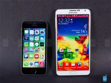 5 điểm Galaxy Note 3 'chào thua' iPhone 5S