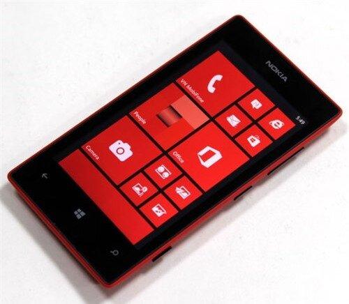 5 điện thoại giá rẻ nổi bật của năm 2013