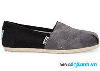 5 mẫu giày slip on cổ điển và cách kết hợp trang phục