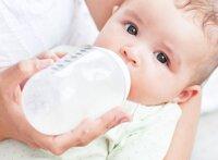 5 nguyên tắc cần nhớ khi tập cho bé bú bình