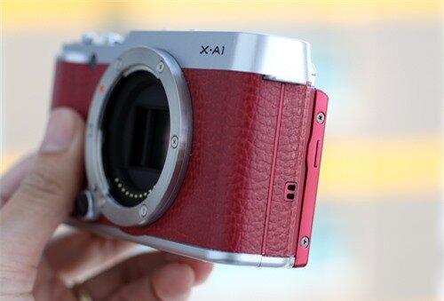 Ngoài cảm biến, khác biệt về màu sắc đã khiến X-A1 hướng tới những người dùng khác biệt so với X-M1.