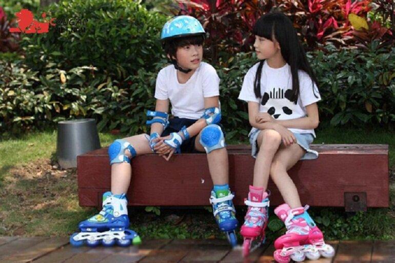 Giày patin trẻ em giá rẻ có giá bán từ 100.000 đến 300.000 VNĐ