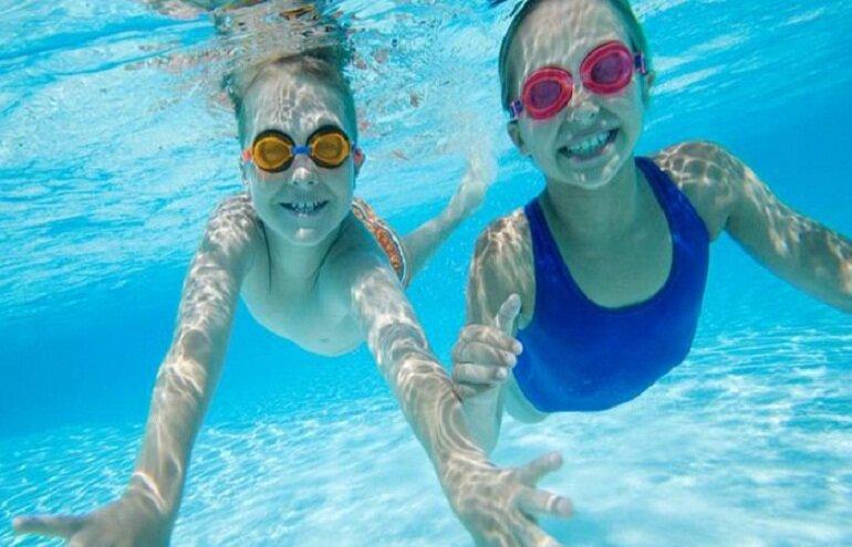 Kính bơi có nhiều loại khác nhau