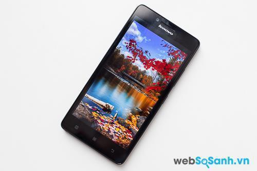 Lenovo A6000 sở hữu màn hình IPS LCD 5 inch, độ phân giải 720 x 1280 pixel với mật độ điểm ảnh là 294 ppi