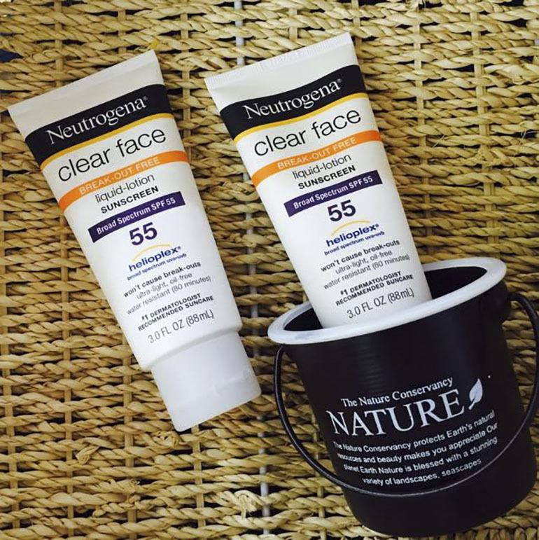 Kem chống nắngNeutrogena Clear Face chăm sóc da mặt hiệu quả