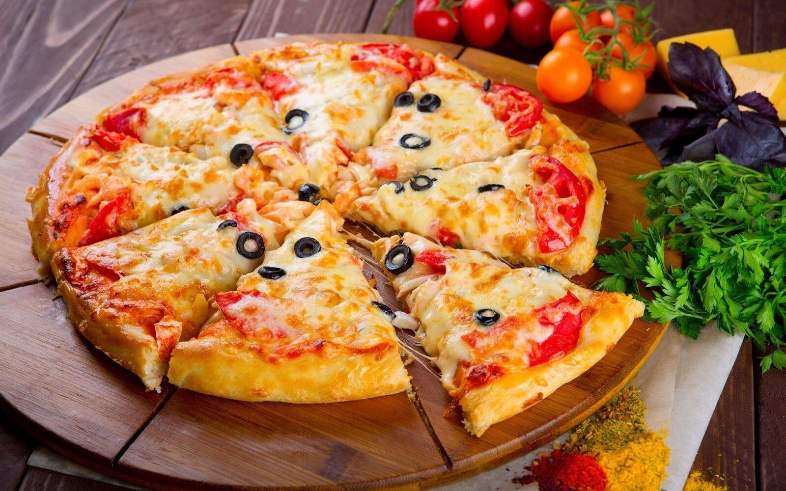 Bánh pizza dần trở thành món ăn ưa thích của nhiều gia đình Việt