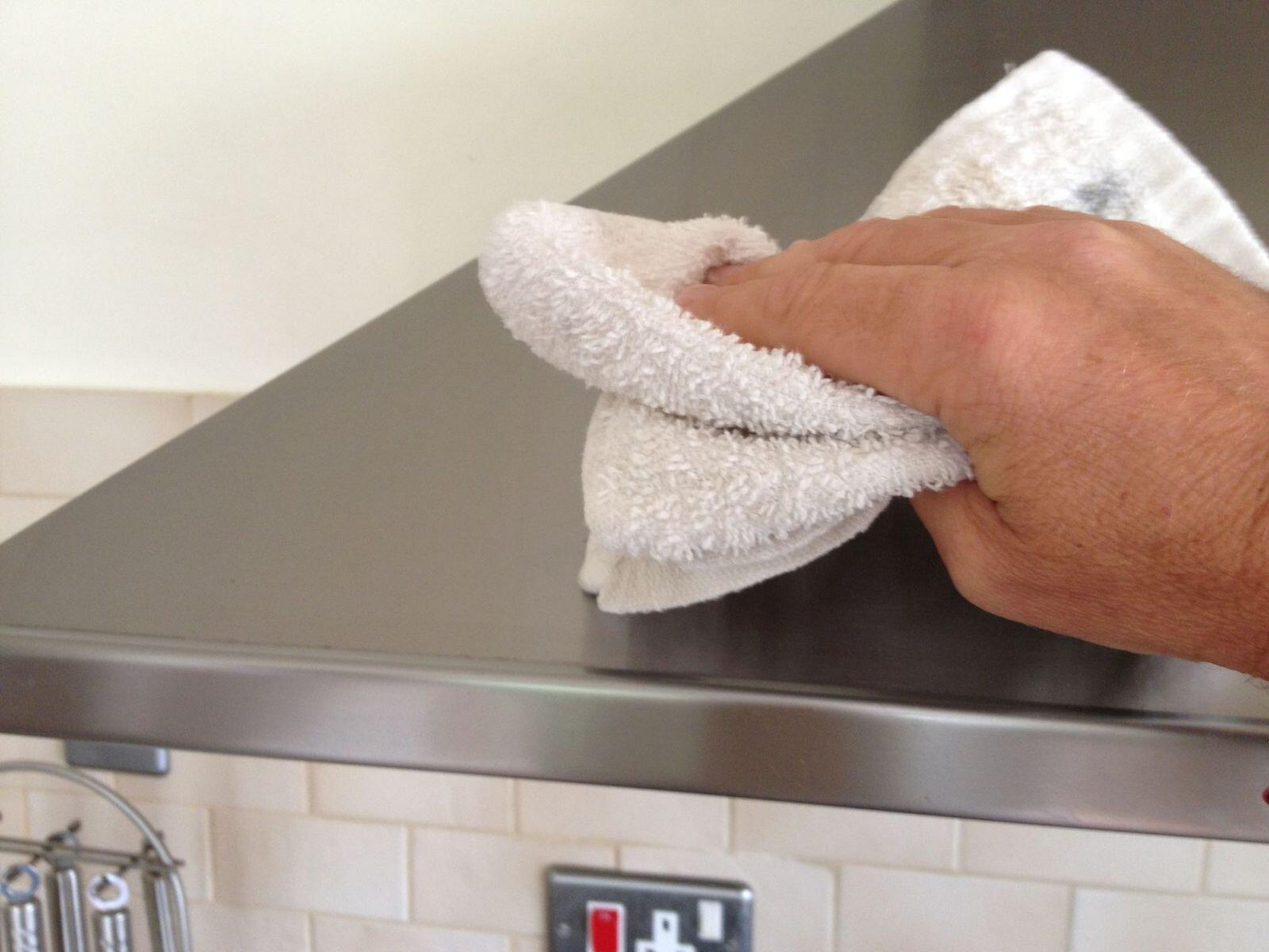 6 cách làm sạch đồ dùng inox đơn giản mà hiệu quả
