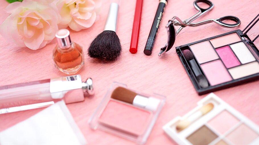 6 loại mỹ phẩm không thể thiếu của các quý cô công sở sành điệu