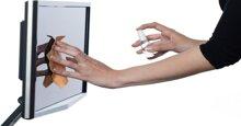 """6 lỗi vệ sinh màn hình tivi led dưới đây là cách nhanh nhất """"bức tử"""" tivi nhà bạn"""