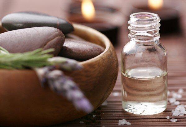 6 lưu ý khi sử dụng tinh dầu chăm sóc da dầu