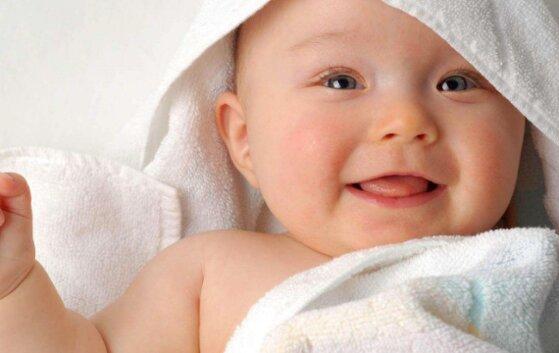6 lý do có nên dùng tã chéo cho trẻ sơ sinh và cách quấn tã tam giác